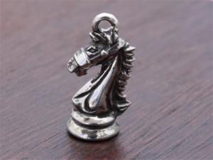 チェス駒ナイト1